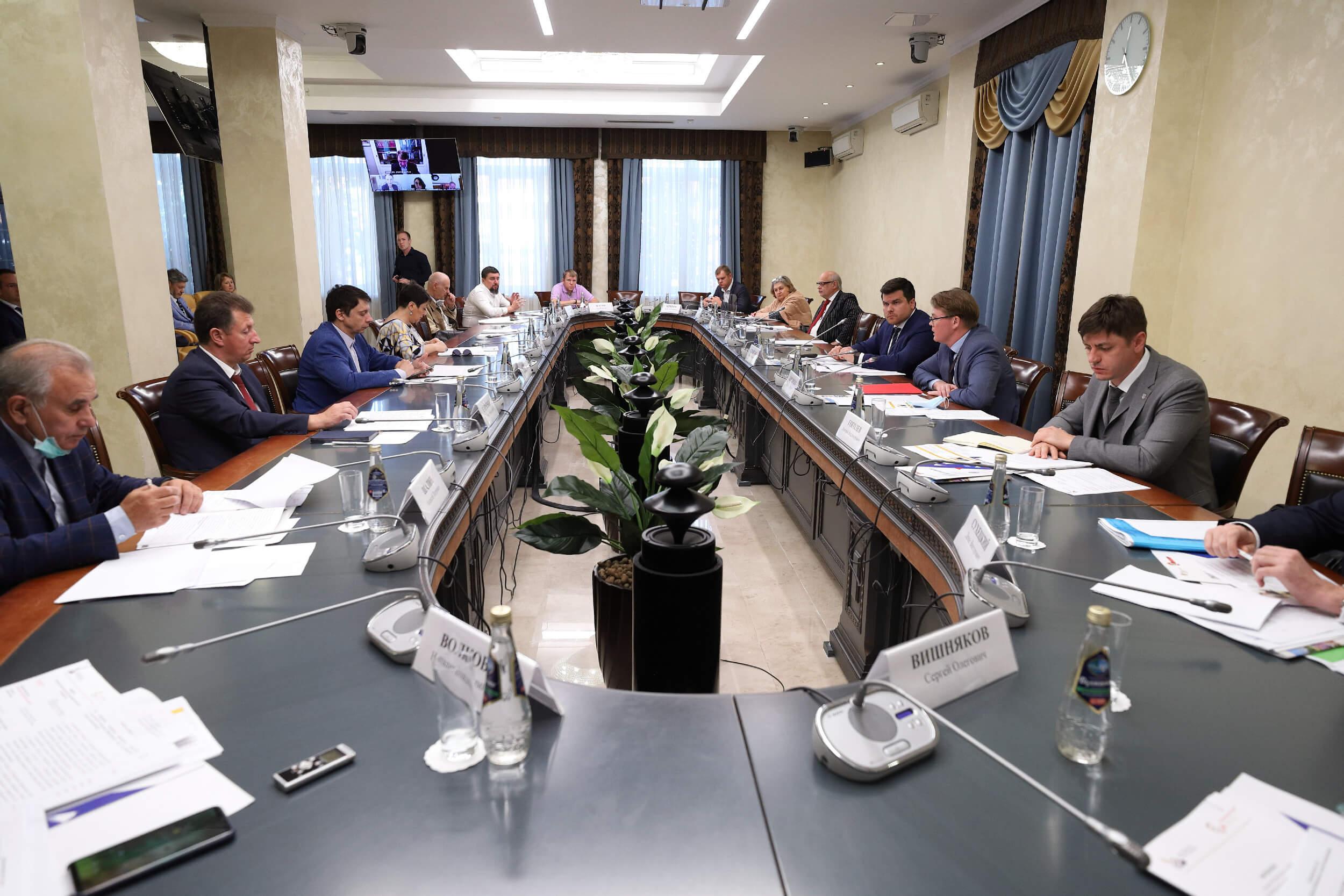 Состоялось первое заседание Общественного совета при Росаккредитации в новом составе