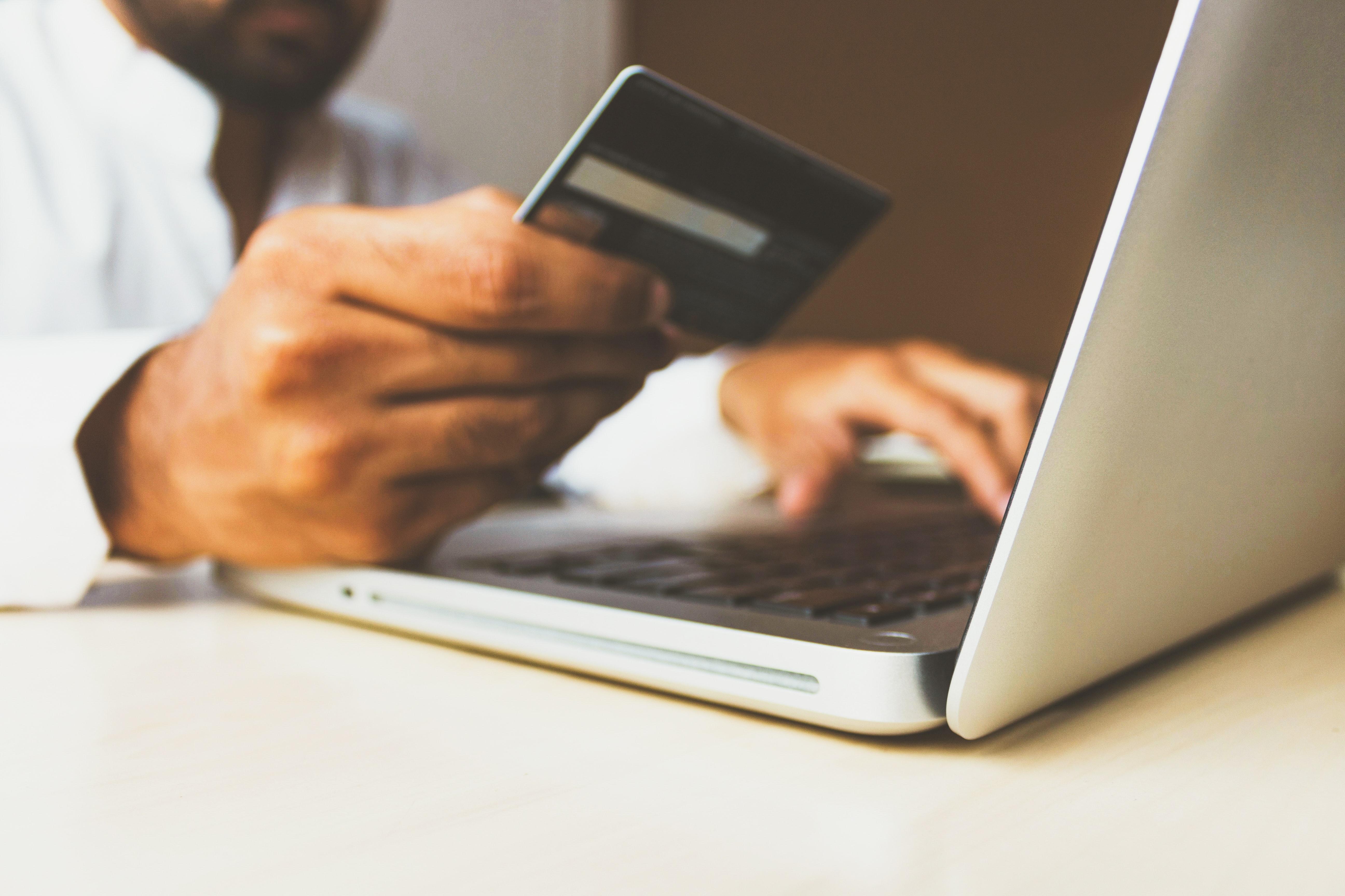 Лидеры онлайн-торговли оценили возможности использования нового цифрового сервиса Росаккредитации для проверки безопасности товаров